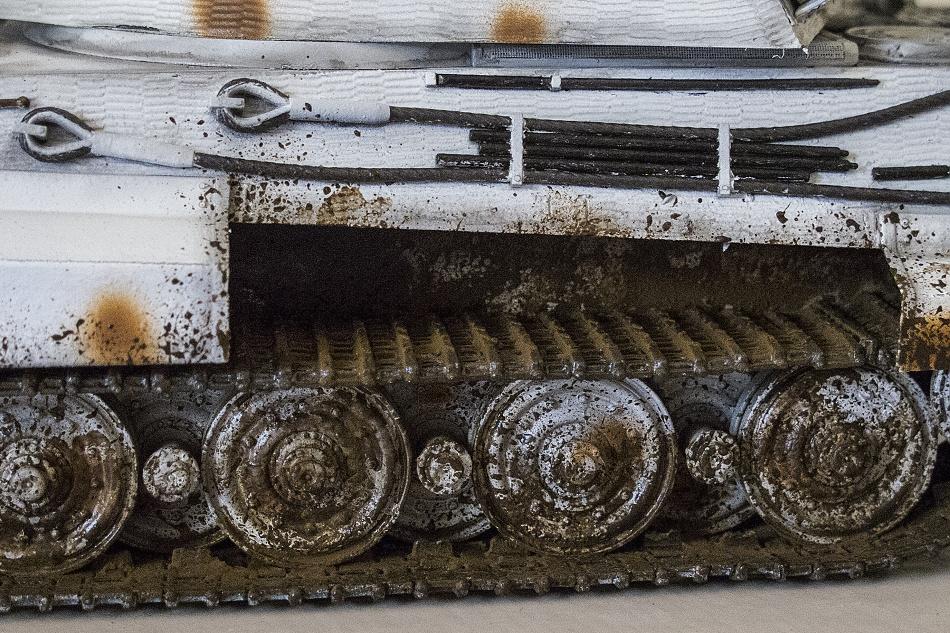 Das Detail am Tankmodell stellt die Edelrostverarbeitung dar.