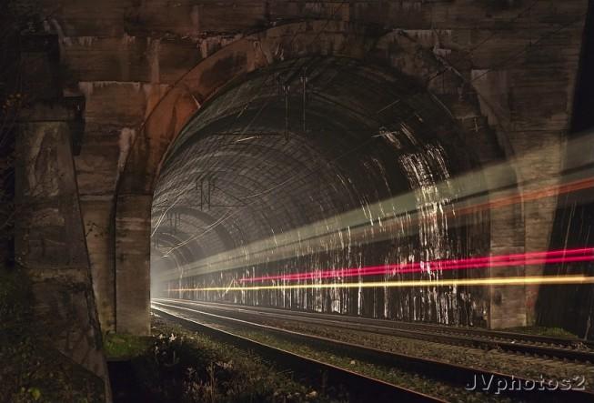 tunel-653x443