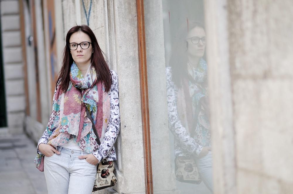 Bild: Auf den ersten Blick eine viel würdigere Darstellung der porträtierten Person. Foto: Majo Eliáš.