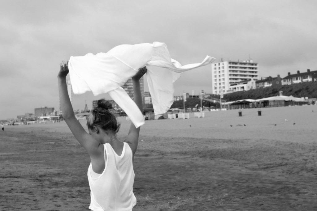 Strand, Zandvoort, Holland Nikon D3100, Nikkor 35mm, 1/100 s, F7,1, ISO 100, Brennweite 35 mm