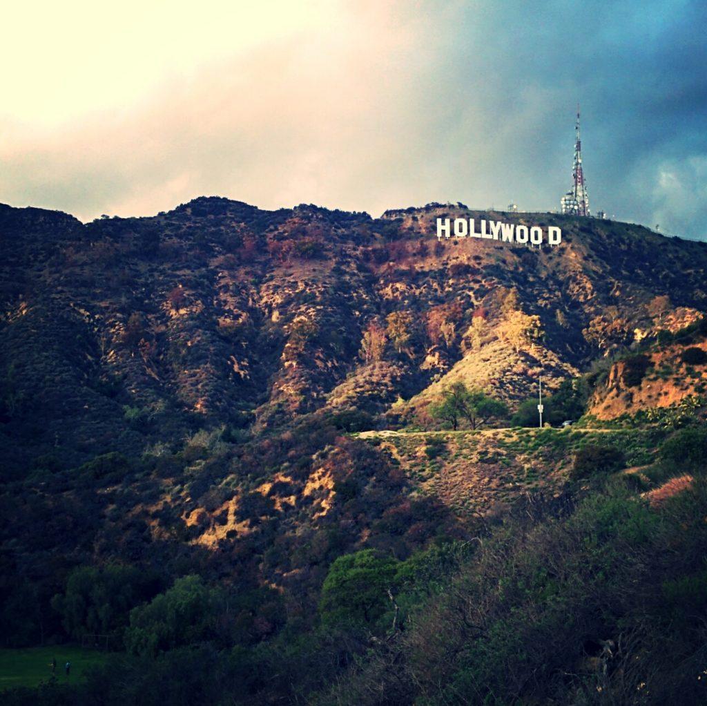 Ein schönes Beispiel dafür, dass Lokalität siegt. Wären auf dem Hügel keine neun Buchstaben, hätte das Bild wohl kaum den 3. Platz der Rangliste belegt.