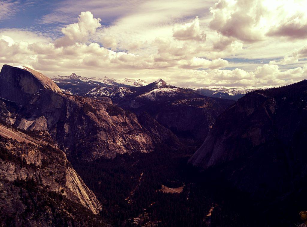 Eine Erinnerung an meine Dienstreise in die USA – ein Ausblick im kalifornischen Nationalpark Yosemite. Praktisch alle dort aufgenommenen Bilder hätten Fotos des Tages werden können.