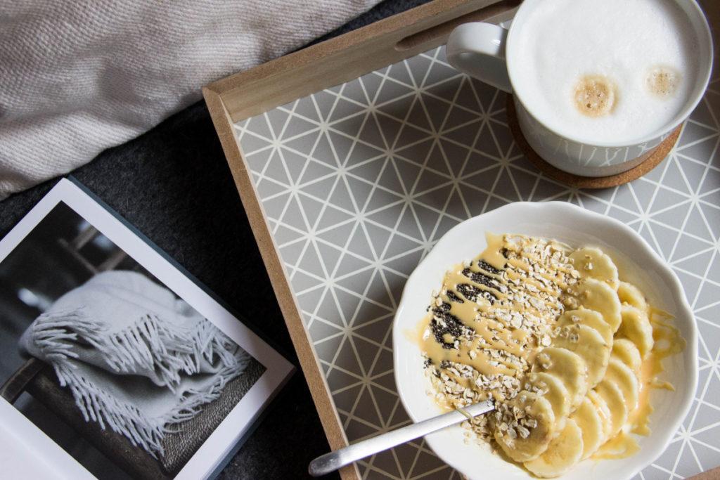 Beim Fotografieren von Essen empfiehlt es sich generell, einen Teil des Bildes ohne Stillleben zu lassen.