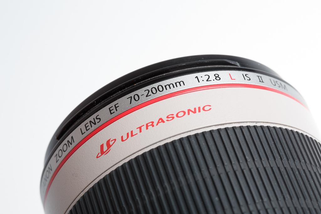 Was bedeuten die ganzen Abkürzugnen auf den Objektiven: Canon EF 70-200mm f/2.8L IS II USM welches einen USM Autofokusmotor und optischen Bildstabilisator verwendet.