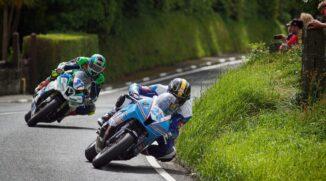 Mit was, von wo und wie fotografiert man Motorräder bei hoher Geschwindigkeit?
