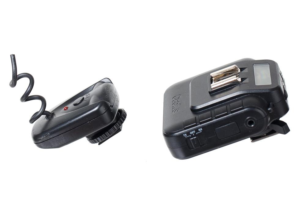 Zeit für ein Upgrade der Fotoausrüstung: ein älter und ein neu Blitzauslöser.