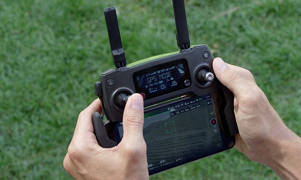 Fotografieren mit der Drohne: Eine Fernbedienung kann beispielsweise so aussehen.