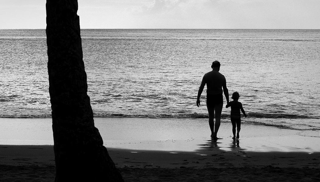 Genießen Sie den Urlaub mit der Fotokamera und Ihrer Familie