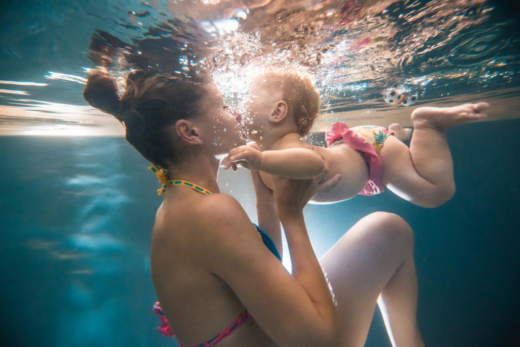 Wie fotografiert man unter Wasser - Probieren Sie direkt beim Licht zu fotografieren