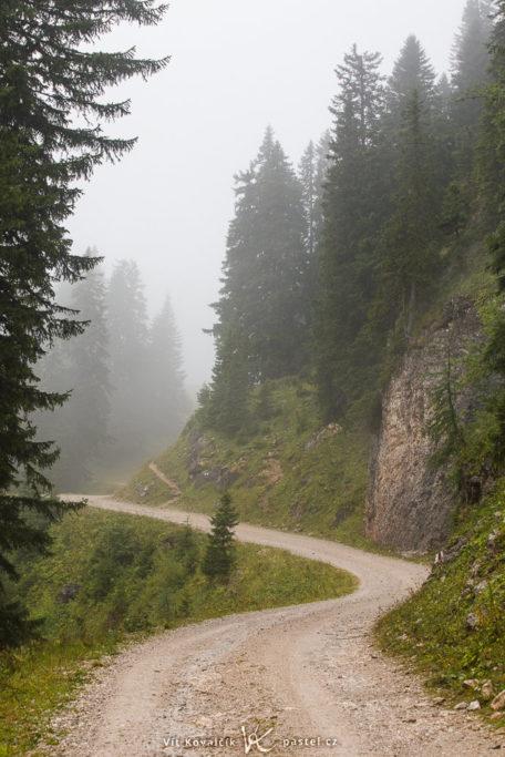 Landschaften während des Tages und bei Regen fotografieren: Originalaufnahme der Kamera.