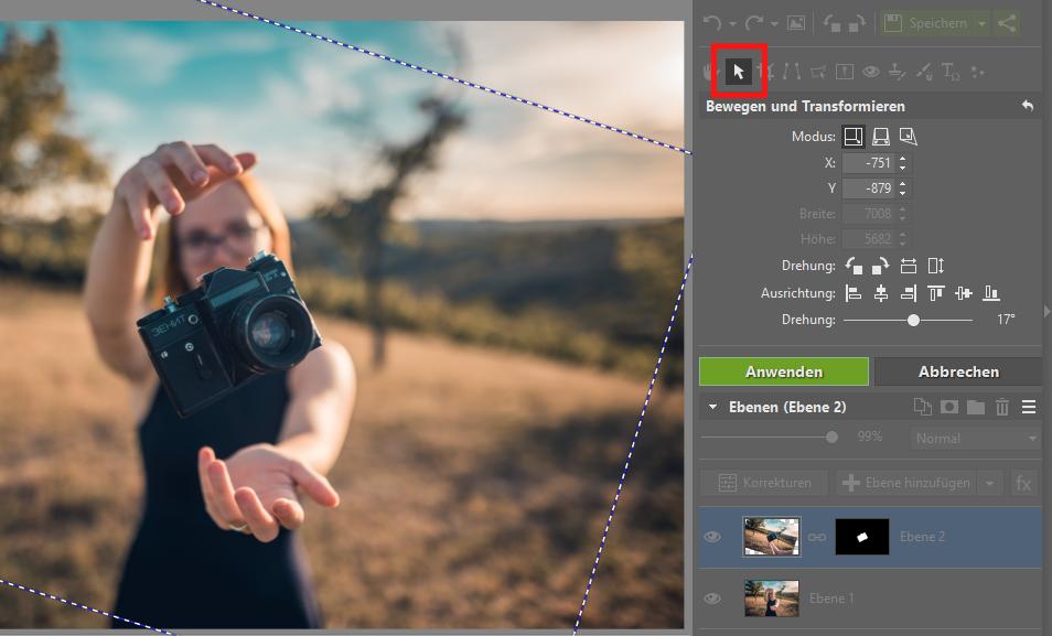 Wie man ein Foto in ein anderes Bild einfügt: Verschieben Sie das Objekt auf eine passende Stelle und bearbeiten Sie die Größe sowie die Neigung.