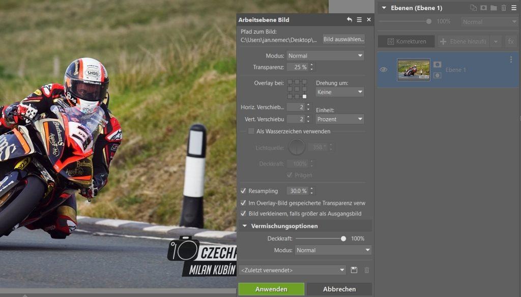 Wie man Fotos von Motorradrennen bearbeitet: das Wasserzeichen.