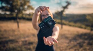 Wie man ein Foto in ein anderes Bild einfügt: Fotomontage mithilfe von Ebenen erstellen