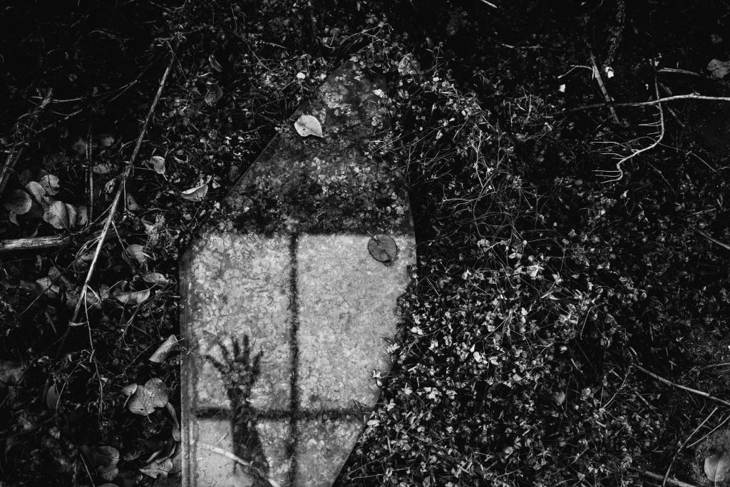 Urbex: Licht und Komposition meistern - Hand