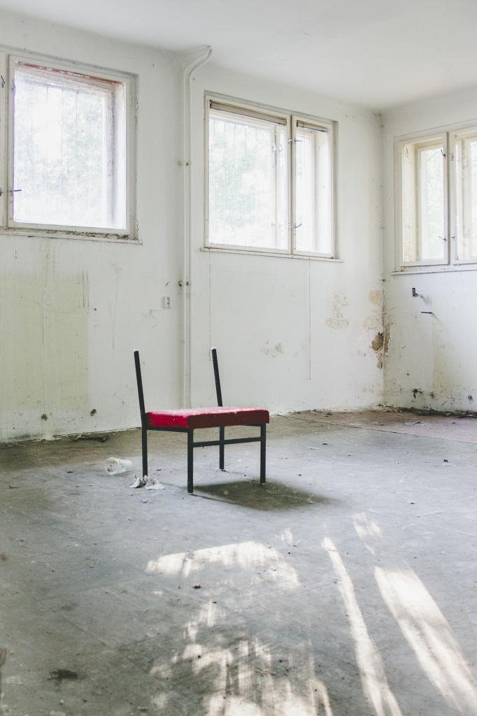 Urbex: Licht und Komposition meistern - Stuhl