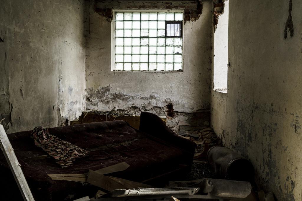 Urbex: Licht und Komposition meistern - Zimmer