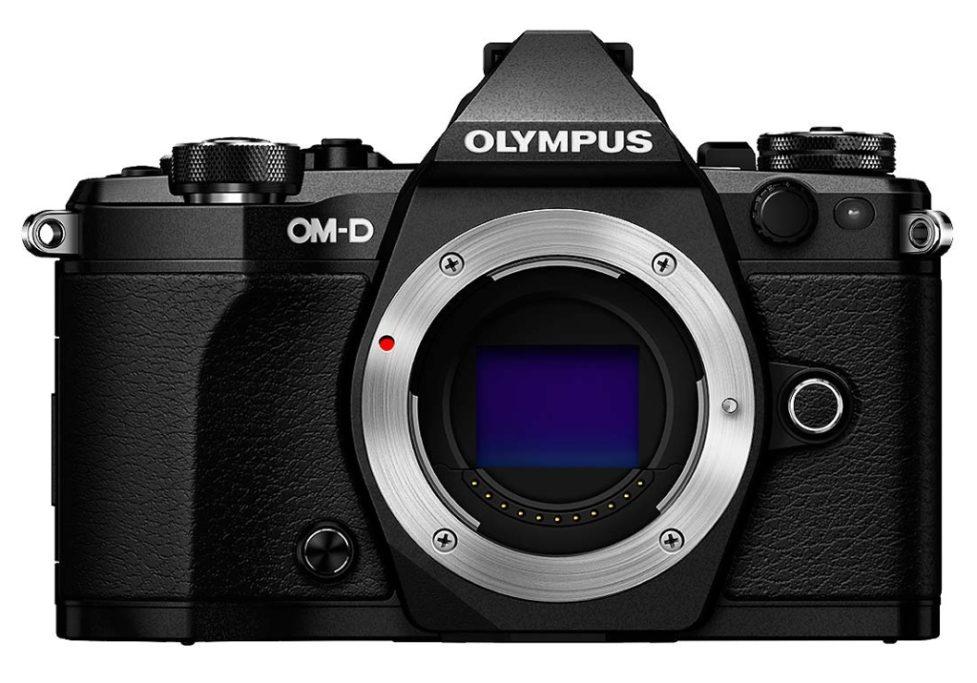 Digitale Spiegelreflexkamera vs. Systemkamera: Sobald Sie das Objektiv einer Systemkamera wechseln, setzen Sie automatisch den Sensor dem Staub und den Unreinheiten aus.