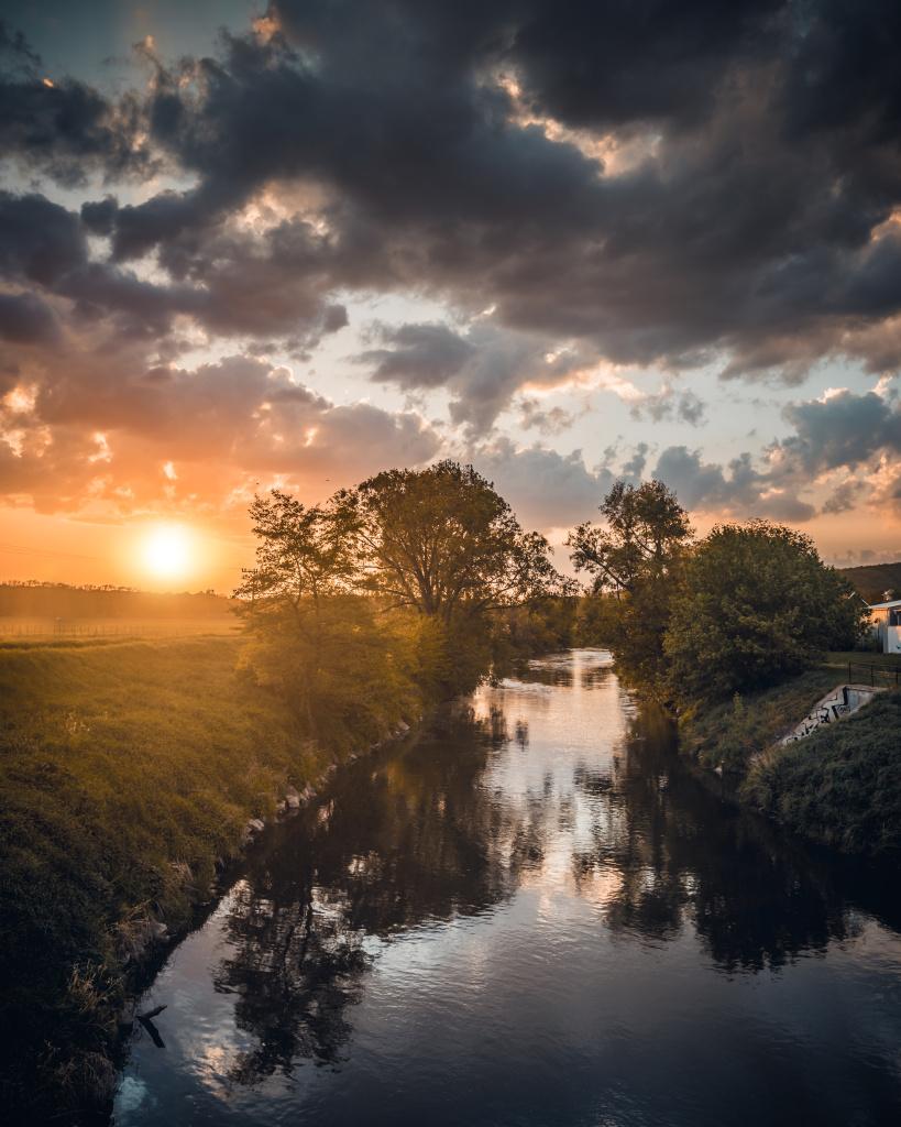 Schwarz-Weiß-Landschaftsaufnahmen - Fluss