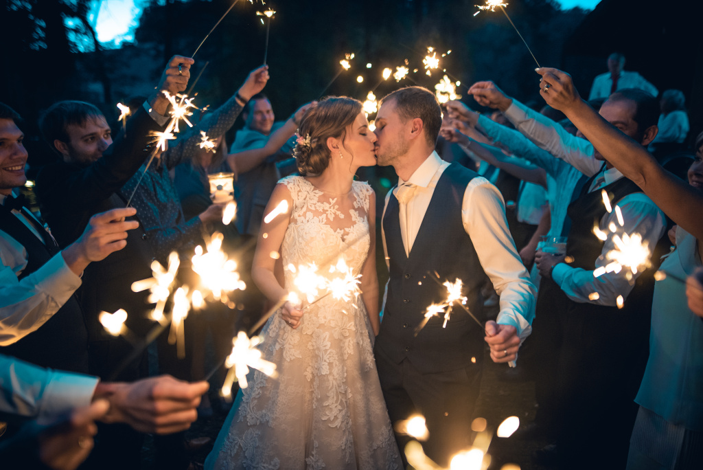 Was sollte man für ein Hochzeitsfotoshooting mitnehmen - wunderkerzen