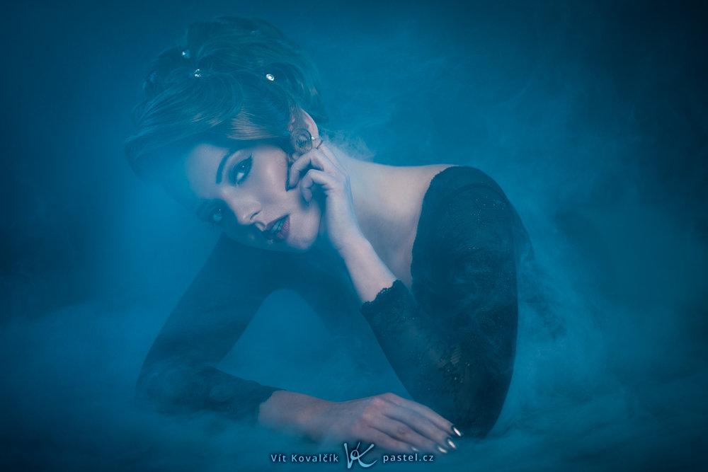 Grundlagen der Komposition im Porträt II - Frau im Nebel